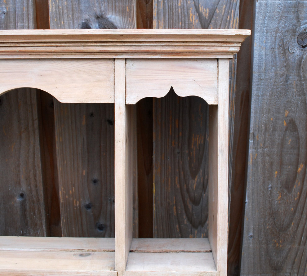 Pine-Wood-Shelves-detail